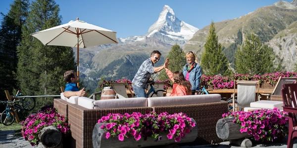En chemin, pause-ravitaillement dans un restaurant de montagne