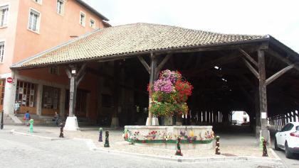 Halle de la Côte Saint Andre: Vue Exterieure