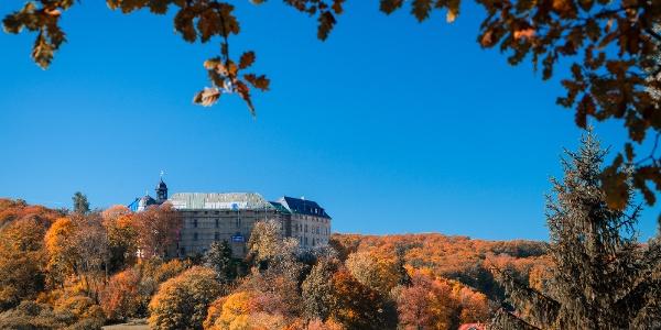 Ausblick auf das Große Schloss von der Teufelsmauer