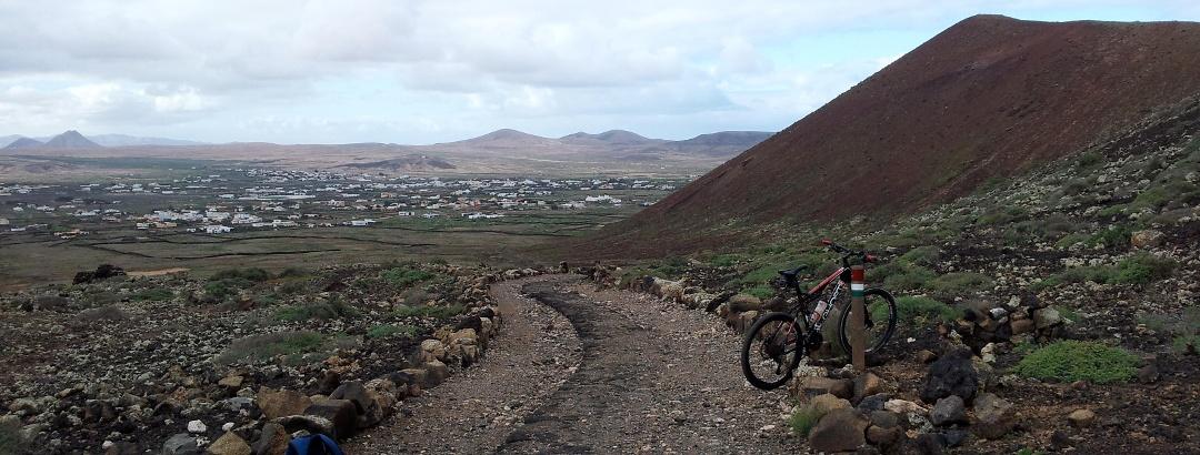 Camino de ruta BTT en las Islas Canarias