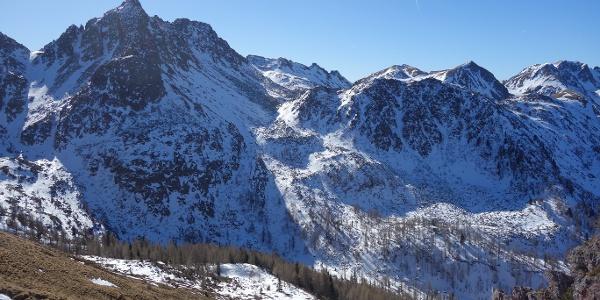 L'alta valle del Laner con il Sasso Rosso sullo sfondo