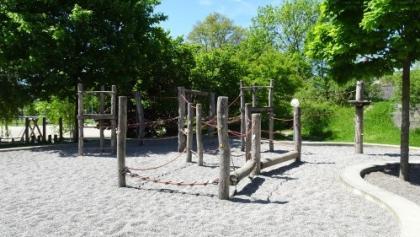Hitzkirch Spielplatz Schulhaus