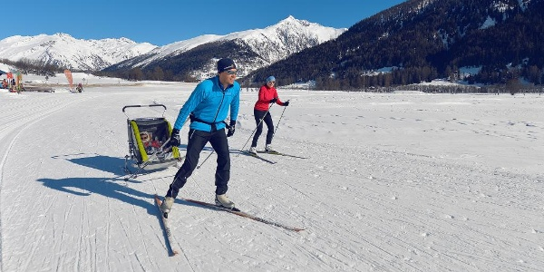 Cross-country skiing on the sunny Sonnenloipe