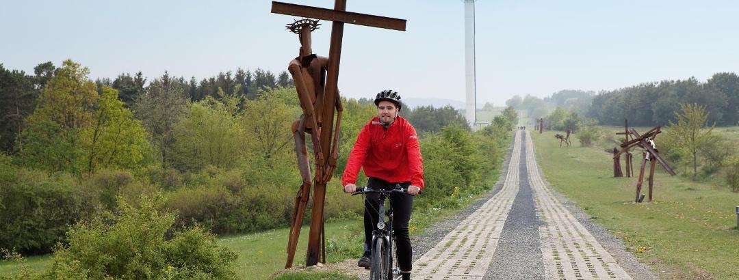 """Radler auf dem """"Weg der Hoffnung"""""""