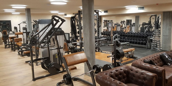 The largest fitness centre in Zermatt offers classic equipment training, functional fitness and group courses.