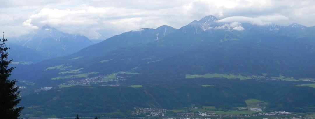 Ausblick über die Stadt Innsbruck von der Nordkette aus