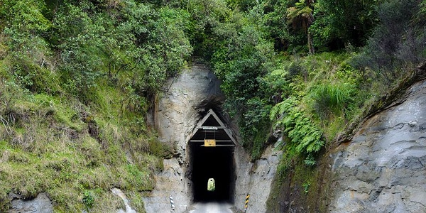 Moki Tunnel auf dem New Zealand State Highway 43