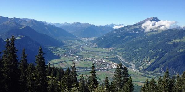 Fünf Dörfer und Alpenstadt Chur aus der Vogelperspektive