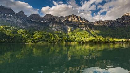 Der fjordartige See und die imposanten Churfirsten