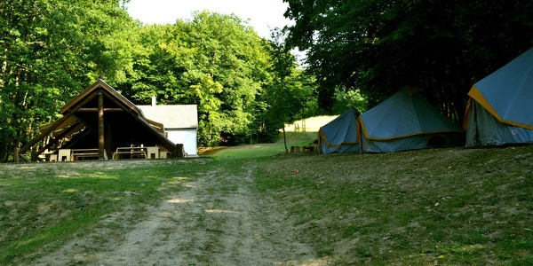 A Zebegényi erdei sátortábor