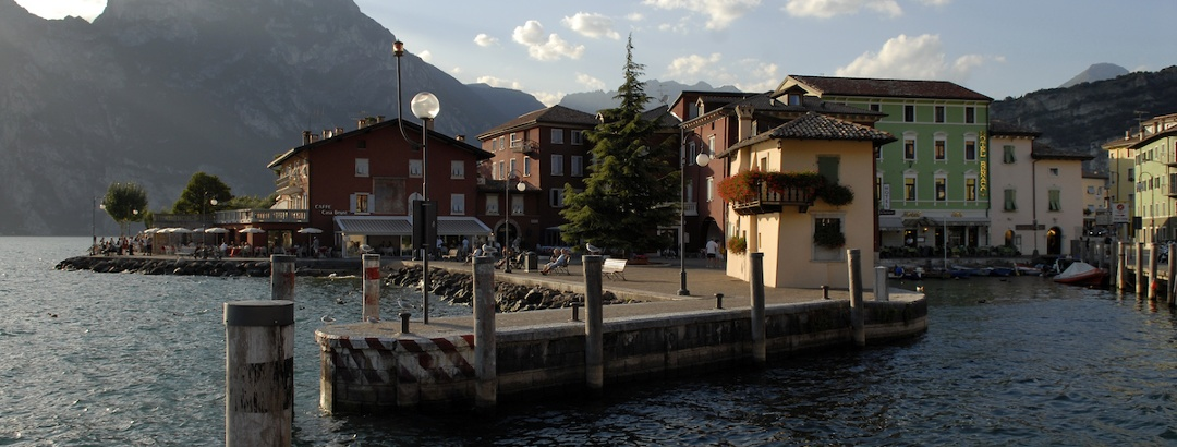 Der kleine Hafen in Torbole