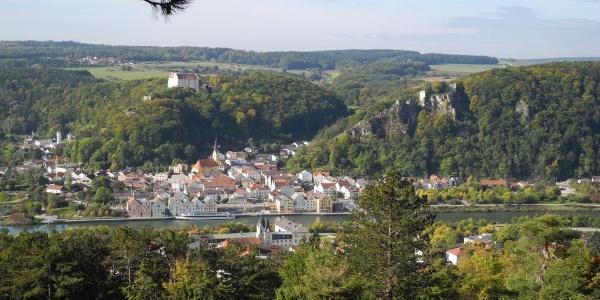 Altmühltal- Blick auf Riedenburg mit Rosenburg