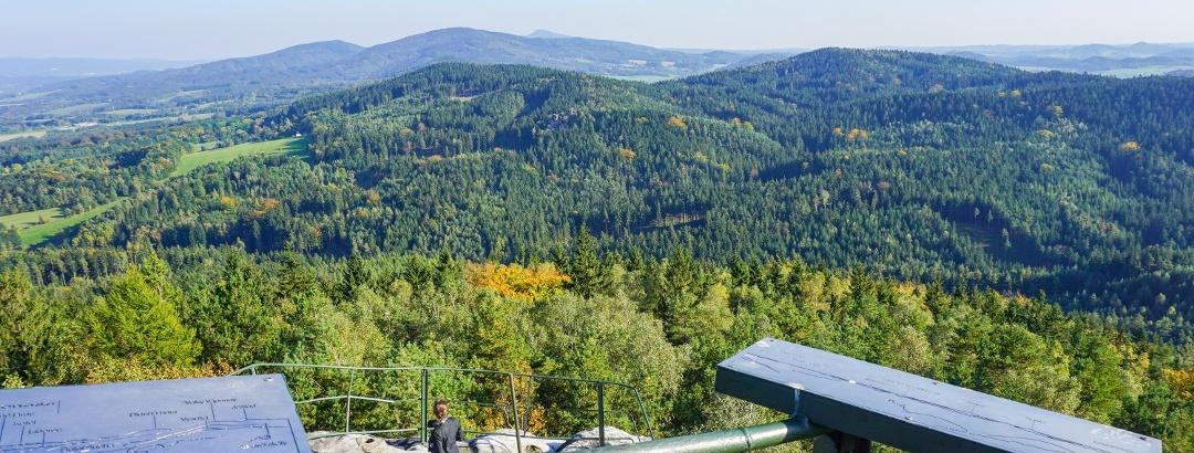 Aussicht vom Pfaffenstein/CZ (Popova skála) in das böhmische Hinterland