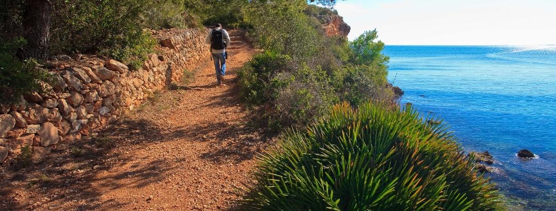 Mediterrane Flora und traumhafte Ausblicke