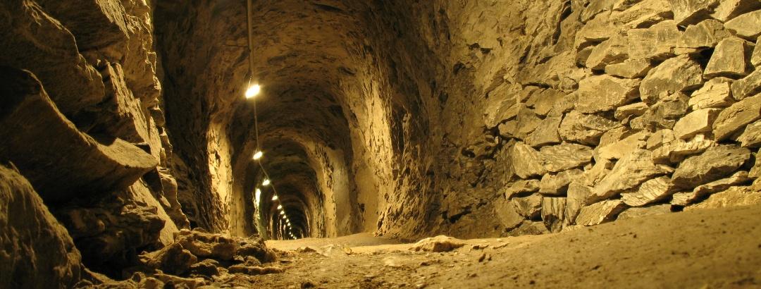 Stollen in der Barbarossahöhle - Rottleben