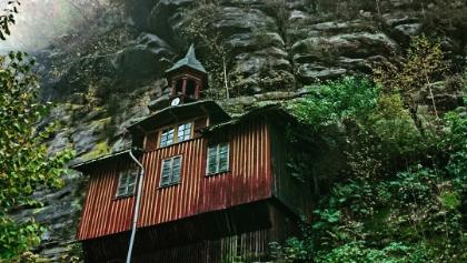 Die Kirche im Fels