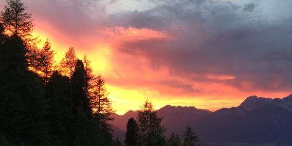 Sonnenuntergang an der Stamser Alm