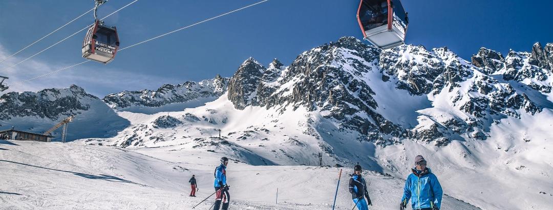 Skibetrieb am Ghiacciaio Presena