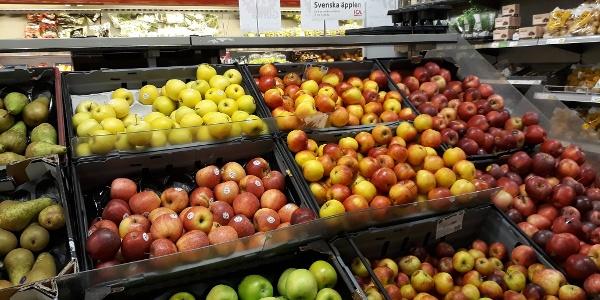 Gott om frukt och grönt, gärna ekologiskt och närproducerat