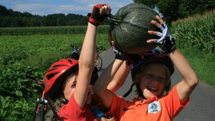 Kinder beim Radl'n