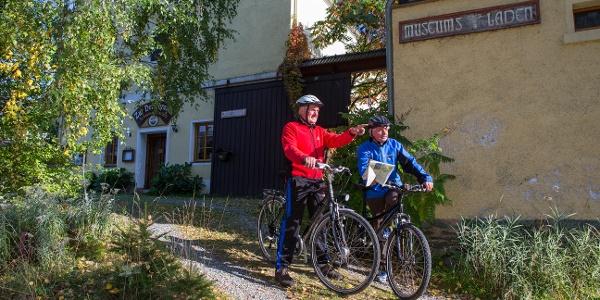 Radfahrer am Museums- und Ferienhof Waltersdorf bei Berga