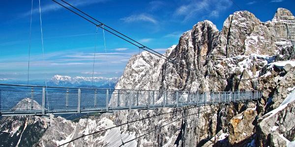 Die Hängebrücke am Dachstein-Gletscher