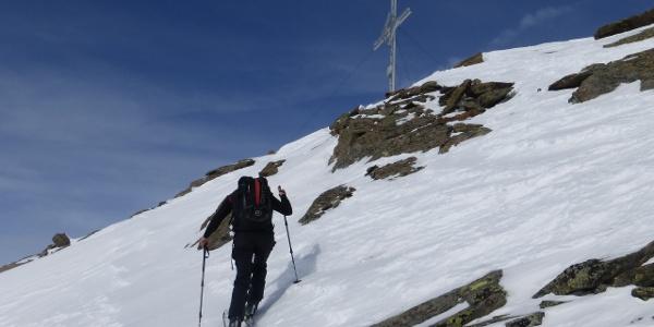 kurz unterm Gipfelkreuz
