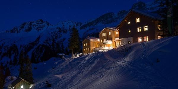 Stimmungsvolle Nacht auf der Lindauer Hütte