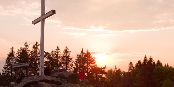 Sonnenaufgang auf dem Clemensberg am Rothaarsteig