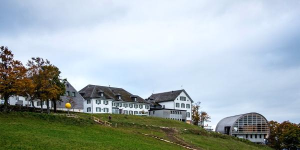 Hotel Kurhaus Weissenstein mit Bergstation.