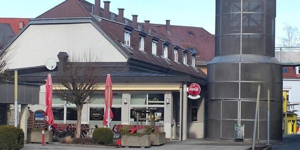 Café-Pizzeria_Turm_Außenansicht