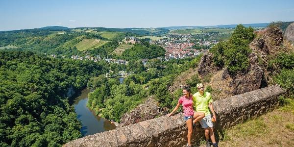 Blick von Ruine Rheingrafenstein zur Ebernburg