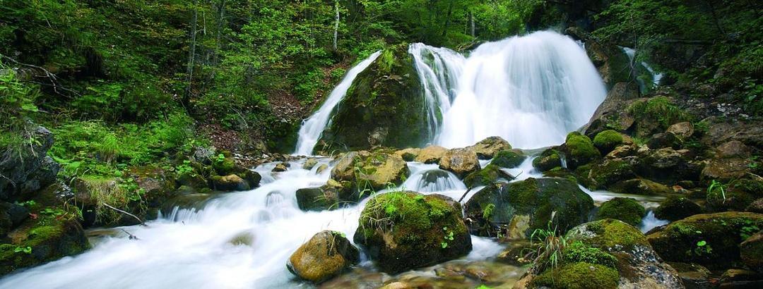 Hainschgrabenbach mit Wasserfall