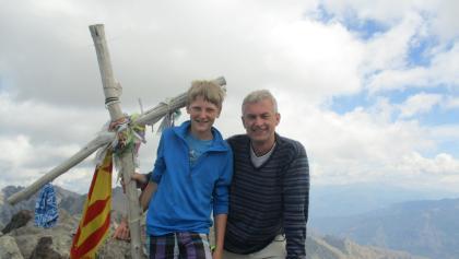 Auf dem Gipfel nach 1.740 m Aufstieg.