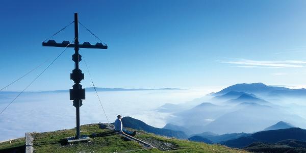 Am Gipfel des Hochobirs hoch über dem Jauntal