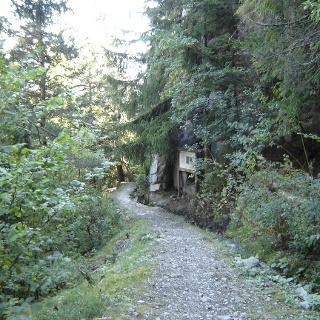 Walk along two historical irrigation channels (bisses)