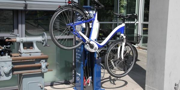 Reparaturstation mit Fahrrad