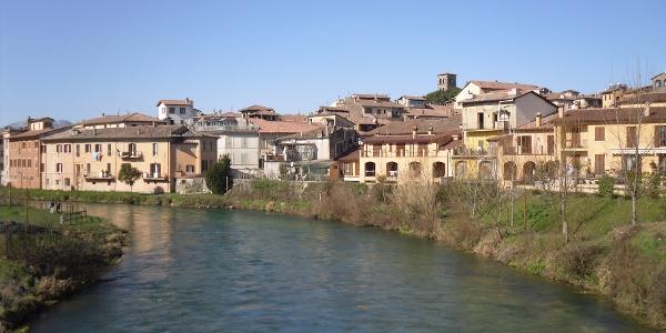 Ufer des Velino