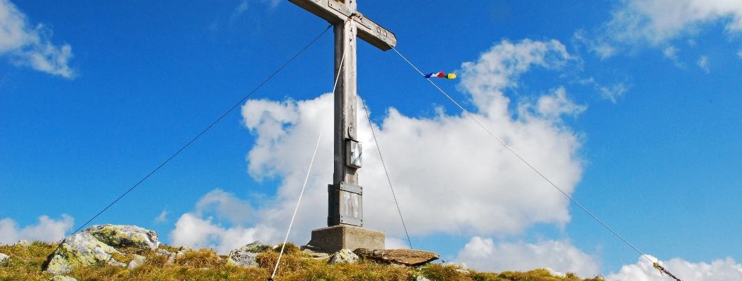 Am Gipfel des Hohenwart
