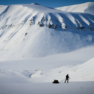 Sir Isaac Newton   Skiexpedition Spitzbergen Atomfjella