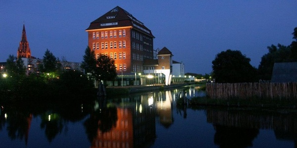 Im Lichterglanz der Dämmerung: in der wasserreichen Stadt Demmin vereinigen sich die Flüsse Peene, Tollense und Trebel.
