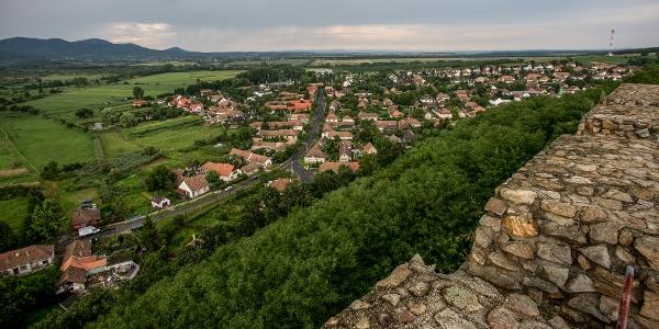 Kilátás a nógrádi vár romjáról