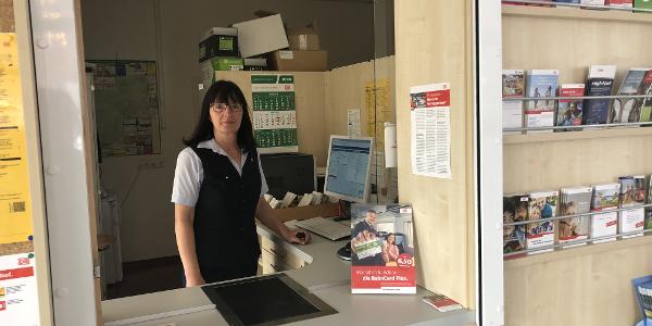 Der Fahrkartenschalter im Bahnhof Bad Laasphe. Unsere Mitarbeiter helfen Ihnen bei der Planung Ihrer Reise und dem Kauf Ihrer Fahrkarte weiter!