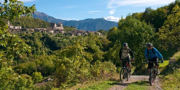 Mountain & Garda Bike (Tenno im Hintergrund)
