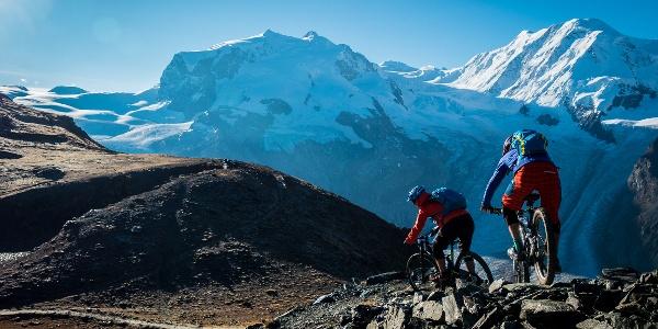 Auf der Hohtälli-Tour hat man eine exklusive Aussicht auf die Zermatter Bergriesen (im Bild: das Monte Rosa Massiv mit der Dufourspitze).