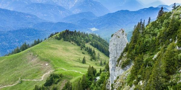 die Roßsteinnadel zeigt von der Tegernseer Hütte leider nicht wie schlank sie ist