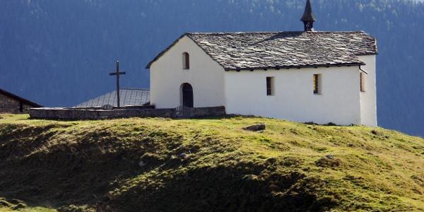 Alpe Bäll mit Kirche