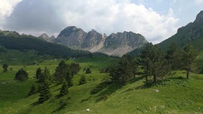 Planinica Mountain from Gornje lake