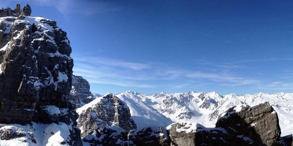 Ausblick vom Beginn des Klettersteigs auf der Nordseite des Steingrubenkogels.