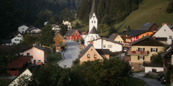 Blick auf das Dorf Salla